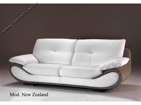 pelle divani divano moderno in pelle bicolore dal design accattivante