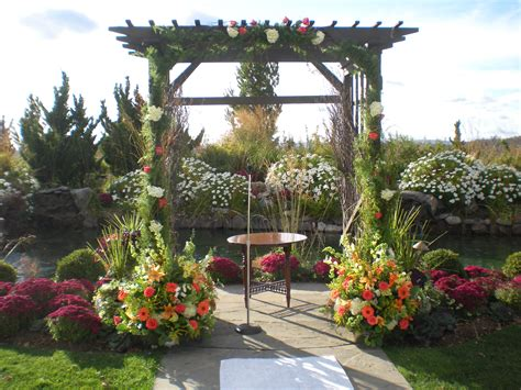 flowers for backyard outdoor wedding flowers