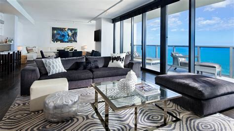 Hotel Suites in Miami   W South Beach