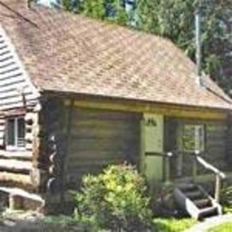Rustic Cabins Vancouver Island by Log Cabin Bed And Breakfast Sooke Vancouver Island B