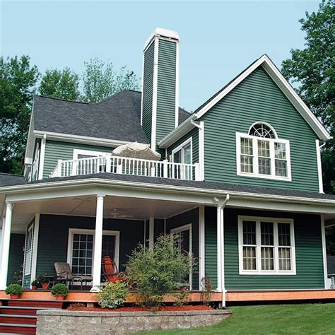 houses with green siding 25 best ideas about green house siding on pinterest green siding navy house