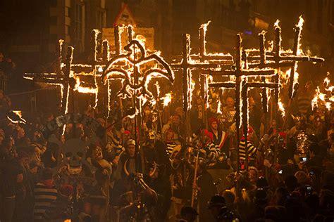 Bonfire In Lewes lewes bonfire effigies of vladimir putin and alex