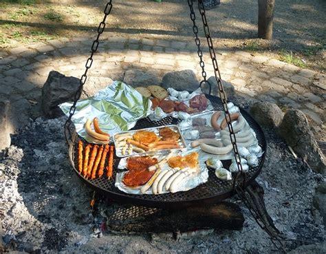 feuerstelle grill selber bauen feuerstelle im garten bauen anleitung rund steinblocke