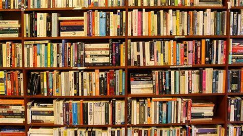 libreria borgo roma lanciata una petizione per impedire il ritiro dei