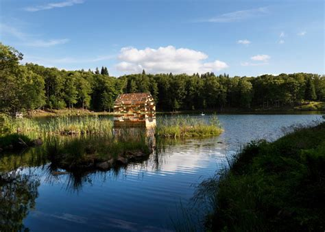 of walden newkirk s new york cabin in the woods