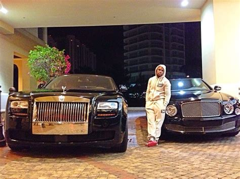 floyd mayweather switches to black cars rolls royce and