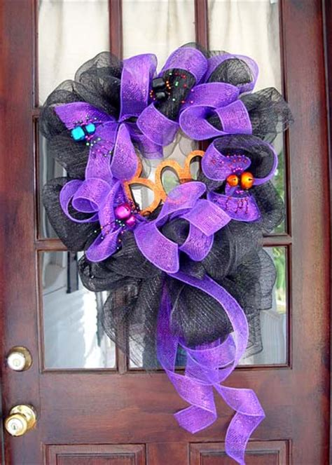 how to make mesh wreaths with two colors how to make a mesh wreath 30 diys with