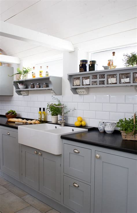 25 best ideas about gray kitchen cabinets on pinterest best 25 modern grey kitchen ideas on pinterest modern