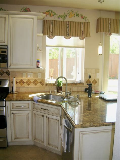 Peninsula Kitchen Sink small kitchen ideas on small kitchens kitchen