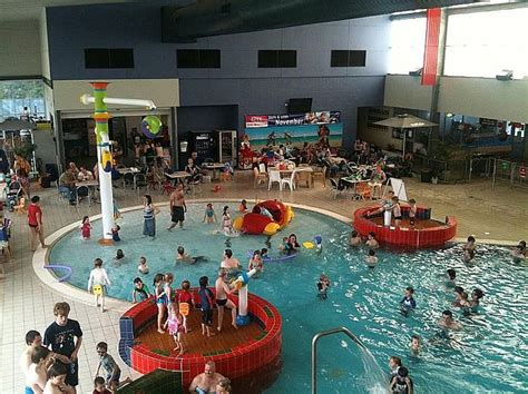 blue mountains leisure centres holiday opening hours