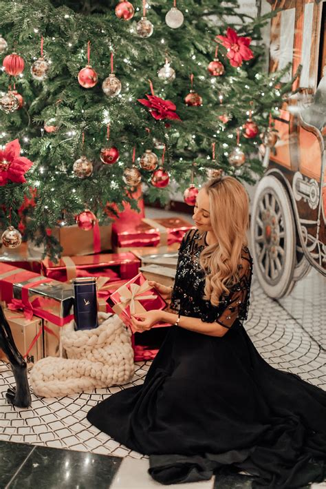 the etiquette of christmas gift giving fashion mumblr