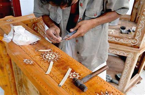 Topeng Khas Lombok Patung Cukli Khas Lombok furniture cukli dari lendang re lombok info lengkap tempat wisata di pulau lombok indonesia