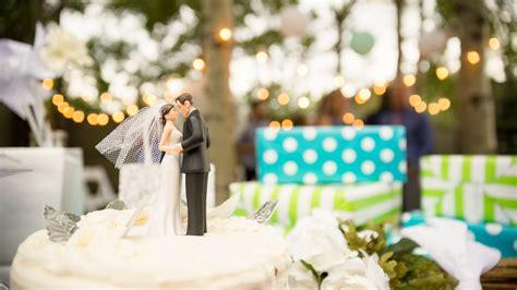 having a backyard wedding bringing it home backyard weddings are having a moment