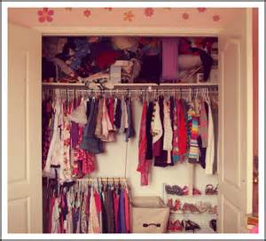 woman in real life the art of the everyday 10 minute tidy s bedroom closet