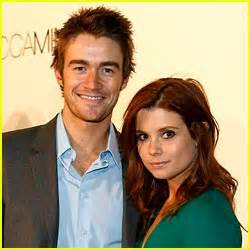 robert buckley girlfriend 2013 joanna garcia ring