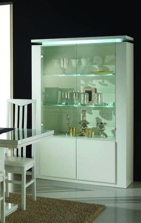 vetrina moderna per soggiorno vetrina moderna per soggiorno con illuminazione e finitura
