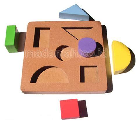 Balok Kereta Geometri Alat Peraga Edukasi Mainan Kayu madaniah