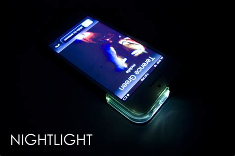 this iphone 5 turns the flash into a bright