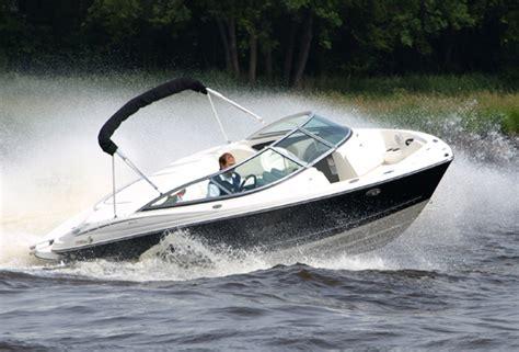 speedboot planeren monterey 214fs limousine met gt eigenschappen monterey