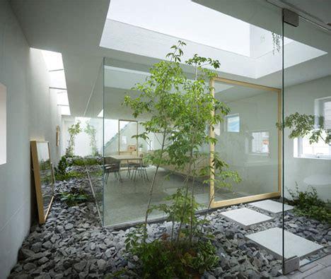Amazing Home Atrium & Multi Level Interior Garden Design