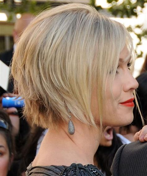 wedge hair cuts that look like a ducks tail jennie garth short straight formal bob hairstyle with side