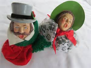 christmas carolers tree ornaments singing their hearts out