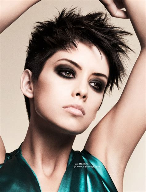 Choppy short hairstyle with soft spikes and extremely
