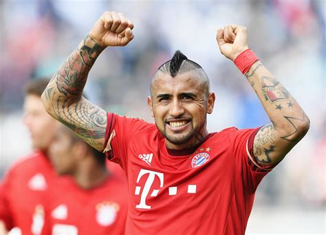 chelsea transfer news arturo vidal agent approached