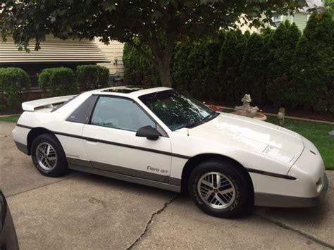 car service manuals pdf 1985 pontiac fiero engine control 1985 pontiac fiero gt white
