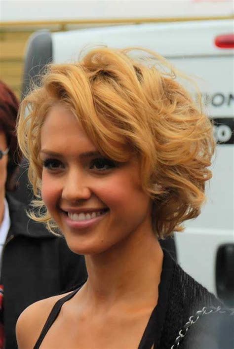 cheeck bob hair styles 1340 best images about hair on pinterest wavy hair