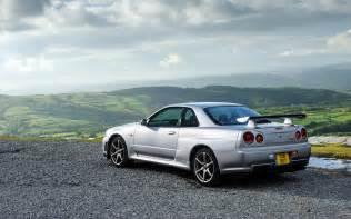 Cars Nissan Hd Background Nissan Skyline Gt R Silver Side Rear View