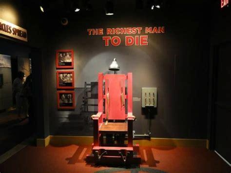 elektrischer stuhl elektrischer stuhl picture of the mob museum las vegas