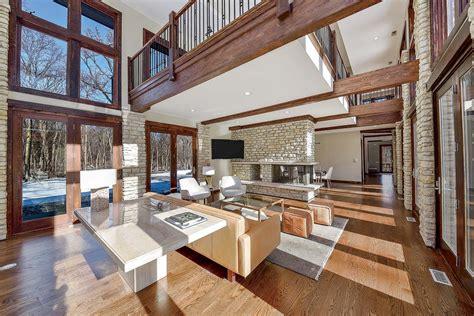 hunker    woods   west suburban mansion