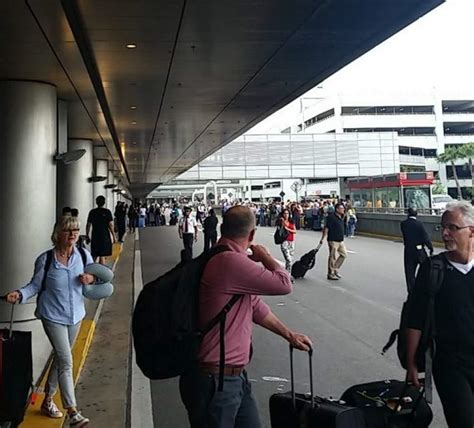 imagenes del aeropuerto miami p 225 nico en aeropuerto de miami por falso aviso de bomba