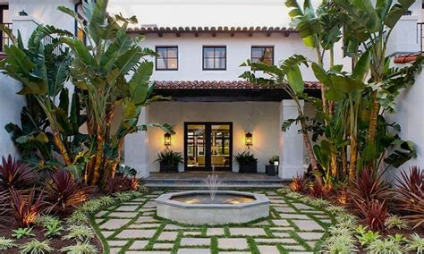 homes with courtyards courtyards spanish style courtyard house interior designs