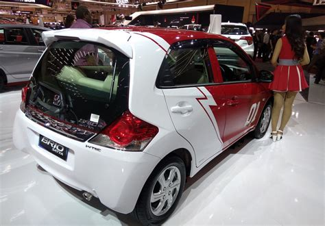 Emblem Honda Brio Satya giias 2017 honda civic hatchback hr v mugen brio satya