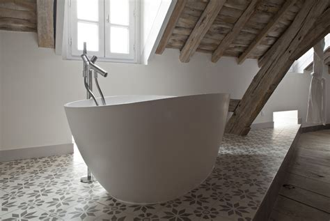chambre baignoire la baignoire bains originaux et luxueux lm design