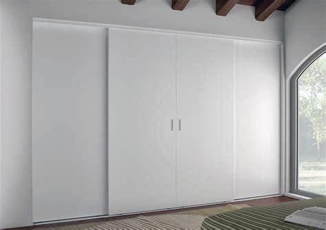porte scorrevoli per armadi a muro oltre 1000 idee su ante dell armadio scorrevoli su