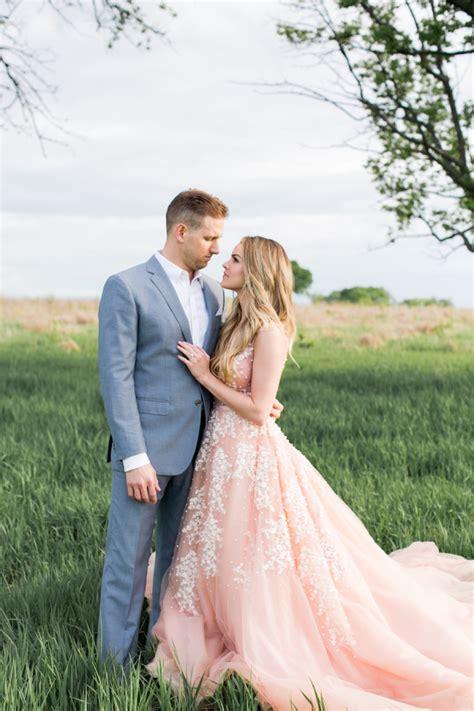 Nikki Ferrels En Ement Session It Weddings