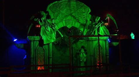 house crypt haunted monster the crypt haunted attractions crypt asylum chaos in mesa