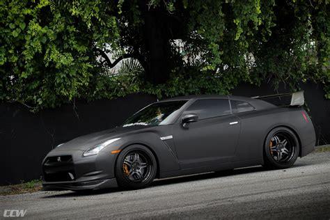 nissan gtr matte blue matte black nissan gtr r35 ccw hs505 forged wheels ccw