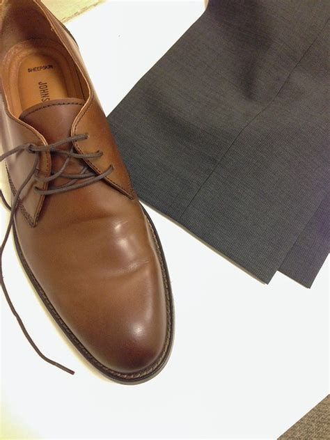 do these brown shoes and grey match