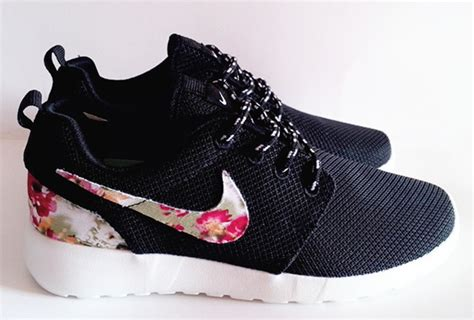 flower pattern nike shoes nike roshe runs shoes black pattern flower logo