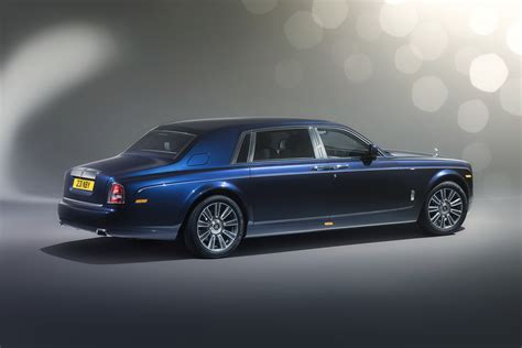2017 rolls royce phantom review release date price