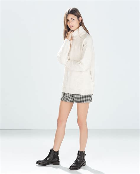 White Shirt Layer Houndstooth zara houndstooth shorts in black black white lyst