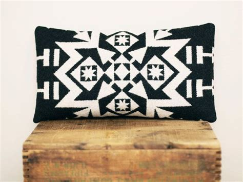 Oreillers Décoratifs by Geometric Wool Pillow Black And White Grey Back S