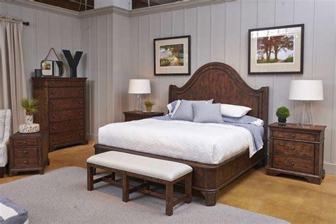 trisha bedroom trisha yearwood home collection home decorating