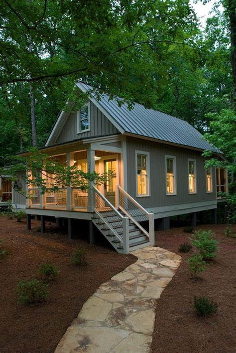 tiny house builders best 25 small cabin decor ideas on pinterest