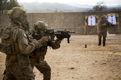 Army Ranger breaking news army ranger reveals survival tactics to