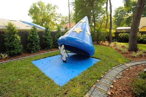 Disney Backyard by How To